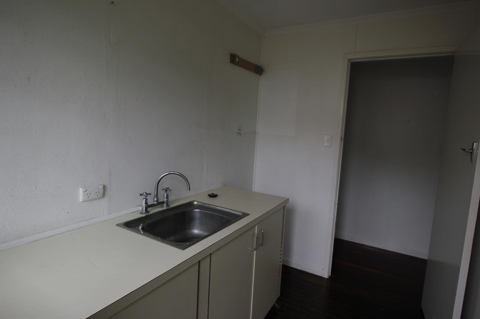 8 Kneller Street SALISBURY QLD 4107 Image 12