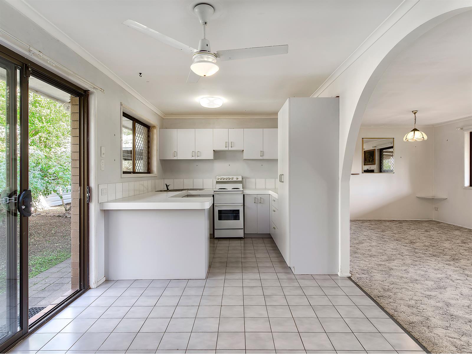 18 Rosella St WELLINGTON POINT QLD 4160 Image 1