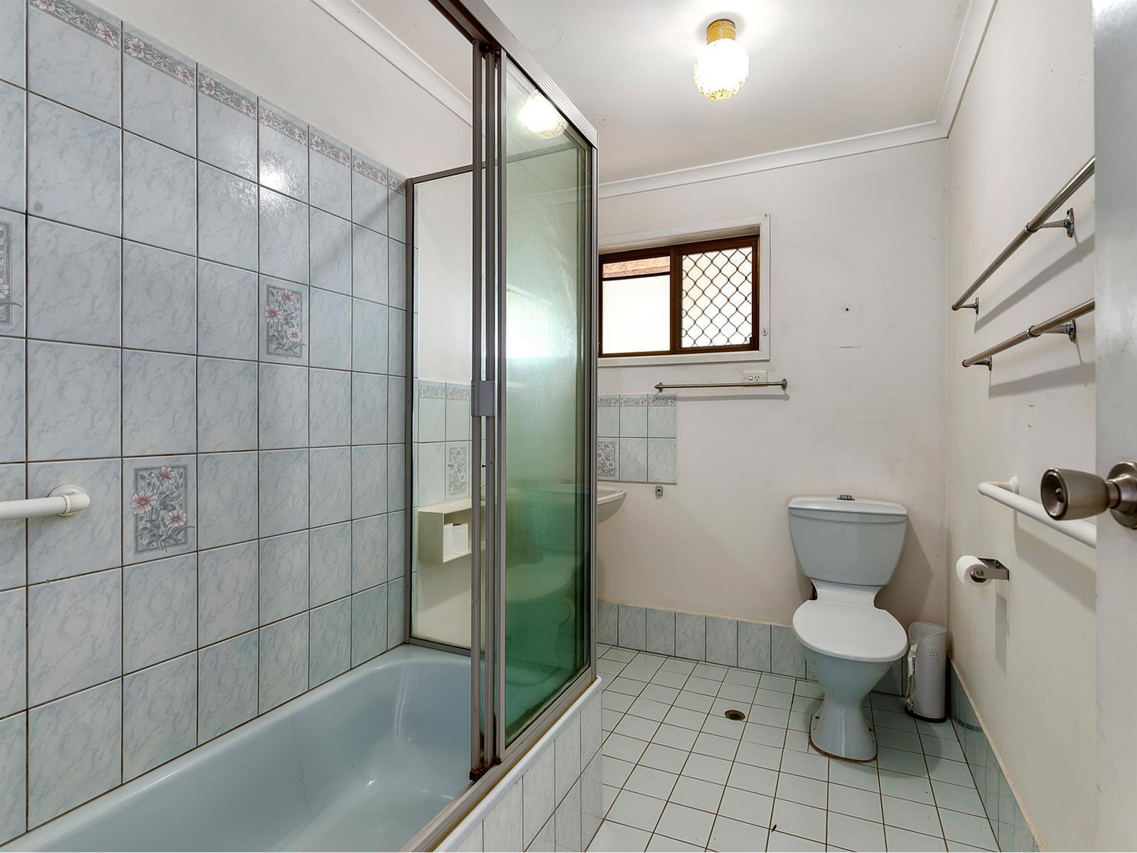 18 Rosella St WELLINGTON POINT QLD 4160 Image 6