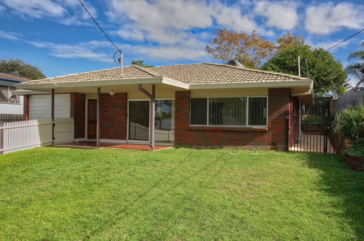 20 Meron St WYNNUM WEST QLD 4178 Image 0
