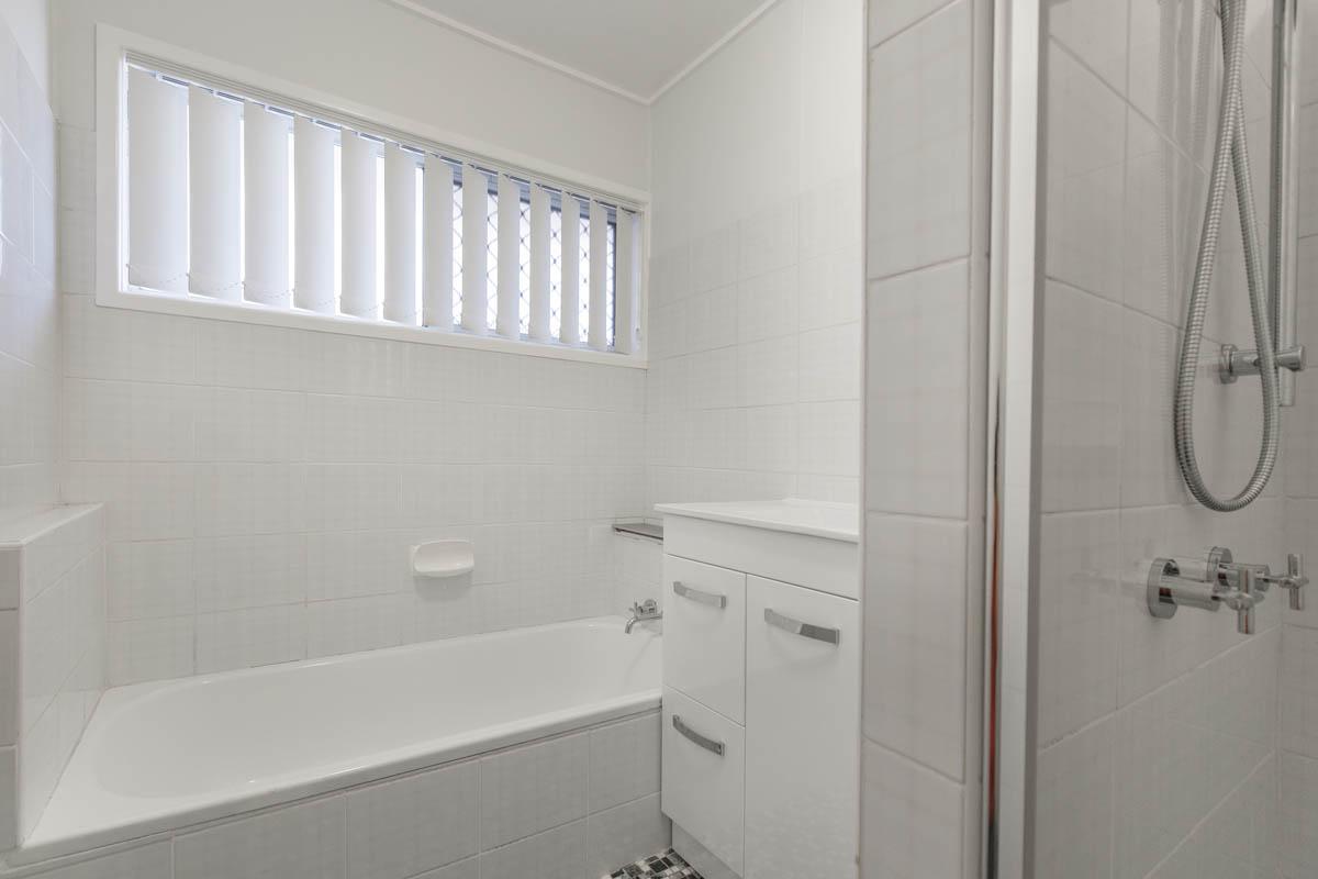 20 Meron St WYNNUM WEST QLD 4178 Image 9