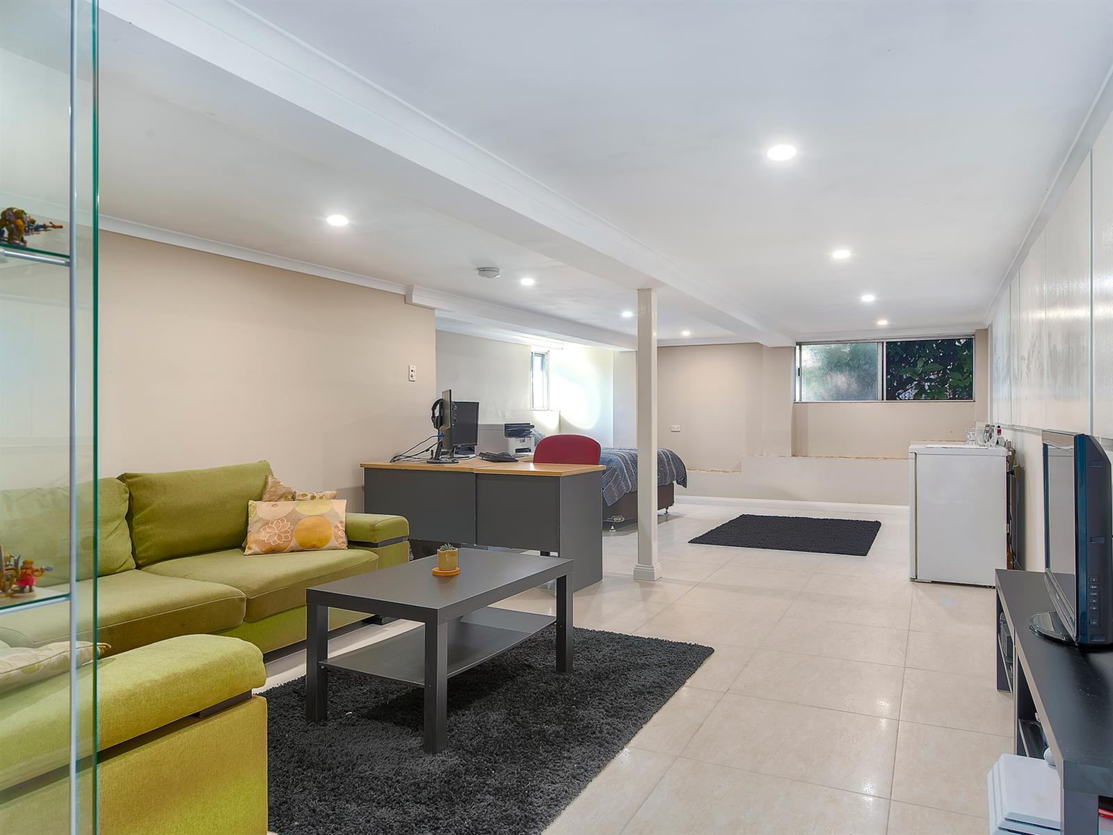 11 Strathfield St TARRAGINDI QLD 4121 Image 11
