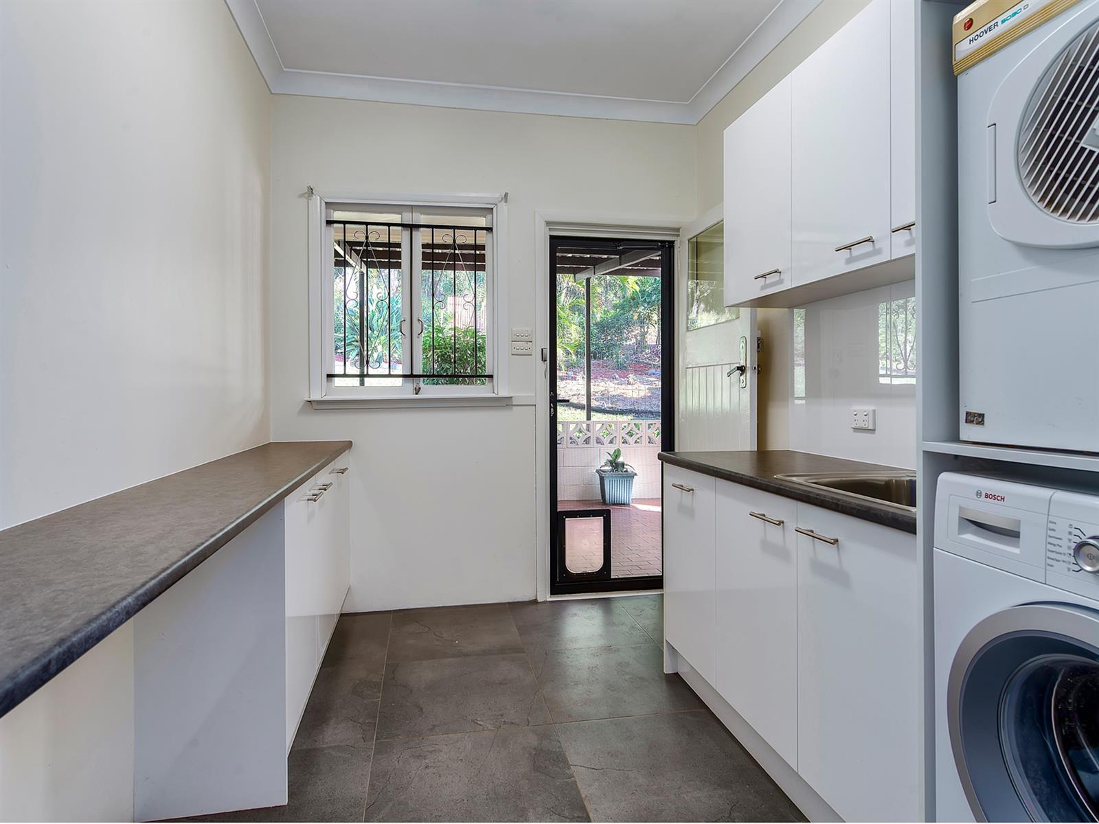 11 Strathfield St TARRAGINDI QLD 4121 Image 9