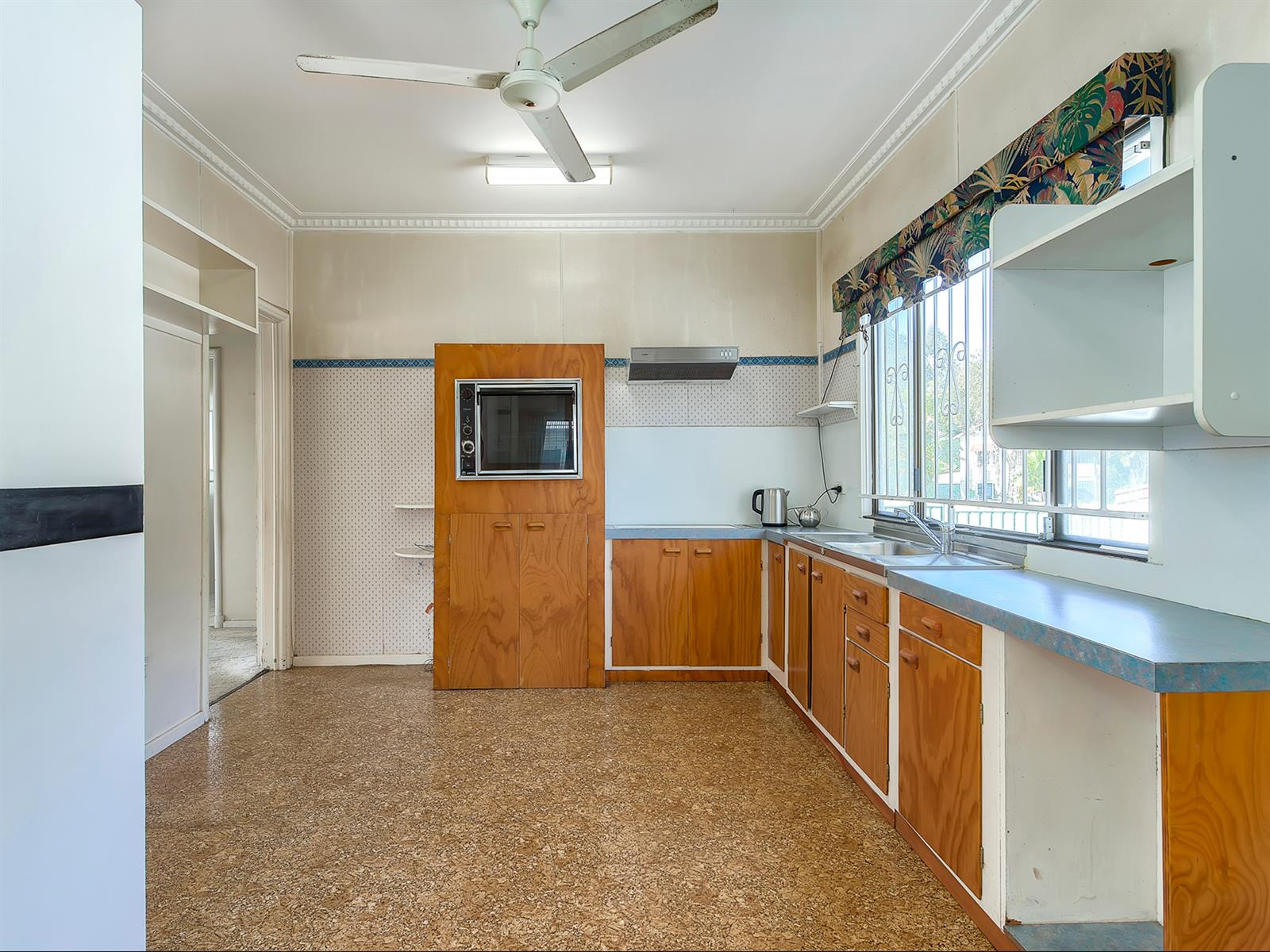 37 Bovey St COOPERS PLAINS QLD 4108 Image 2