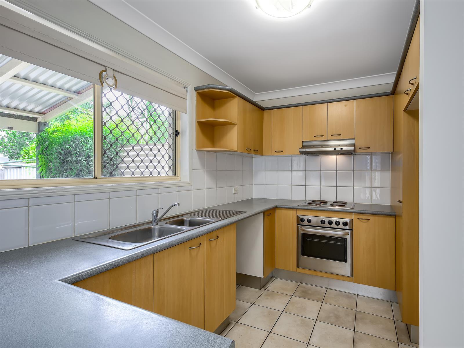 1 / 8 Koala Road MOOROOKA QLD 4105 Image 1