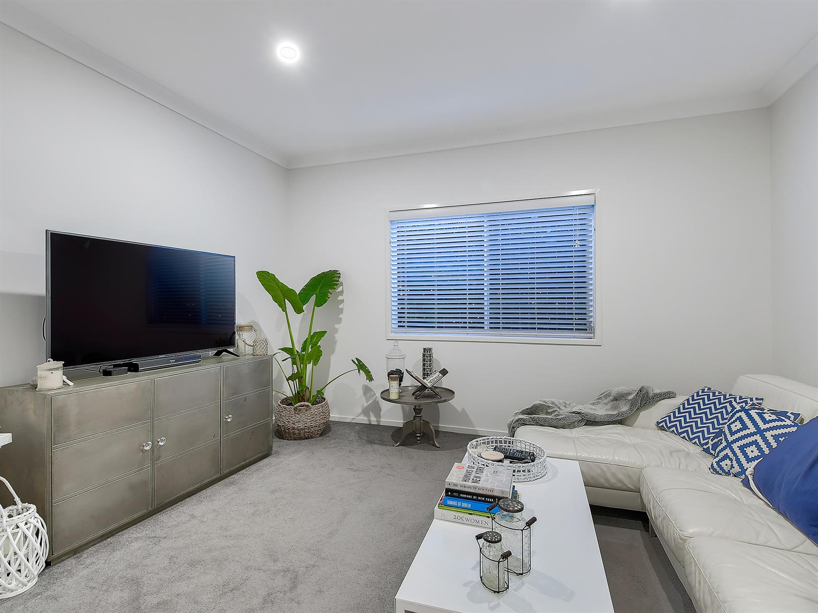 11 Howard St OXLEY QLD 4075 Image 9