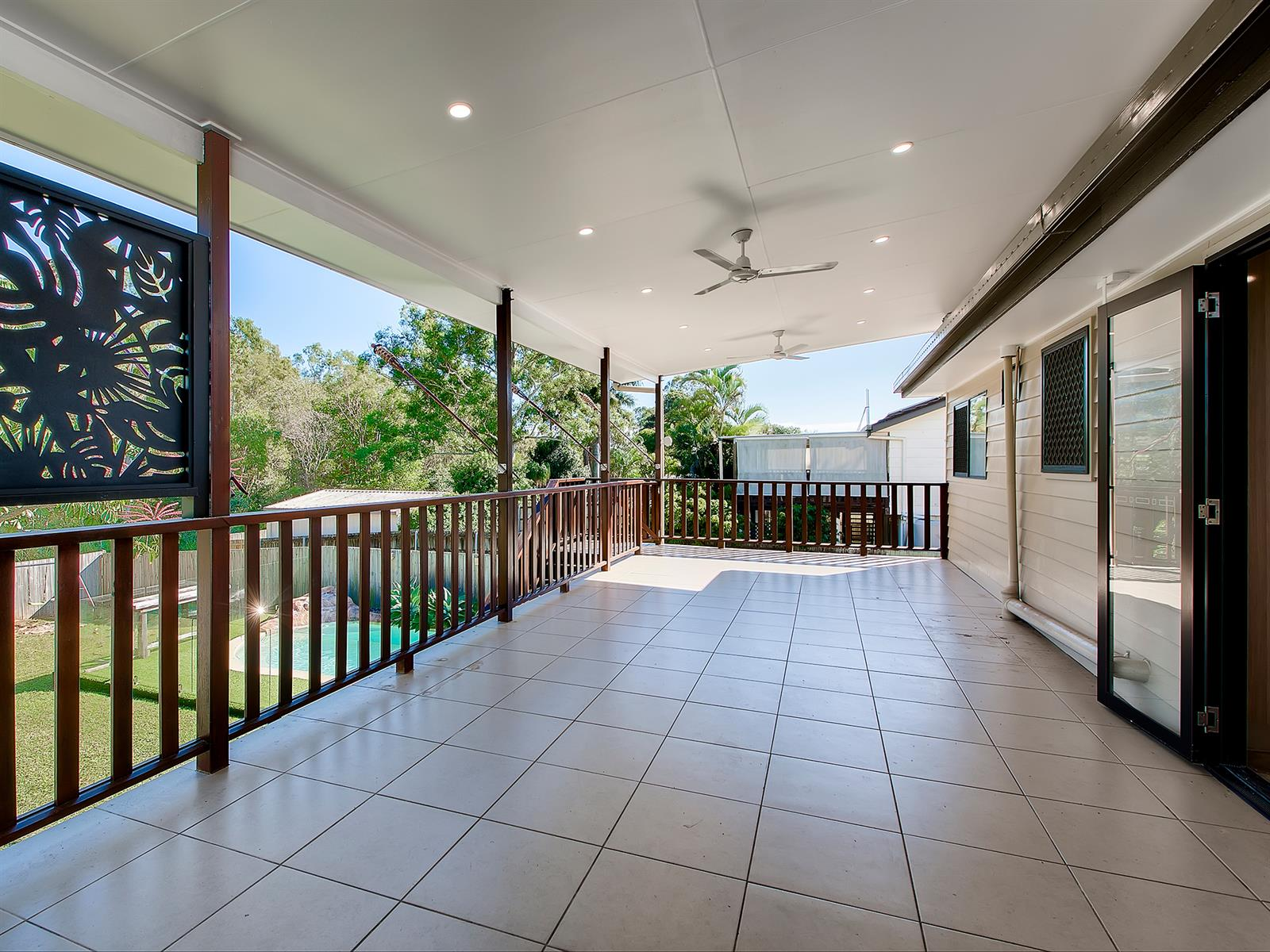 67  Tantani St MANLY WEST QLD 4179 Image 3