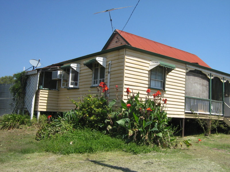 8 Stokes Court SUMMERHOLM QLD 4341 Image 1