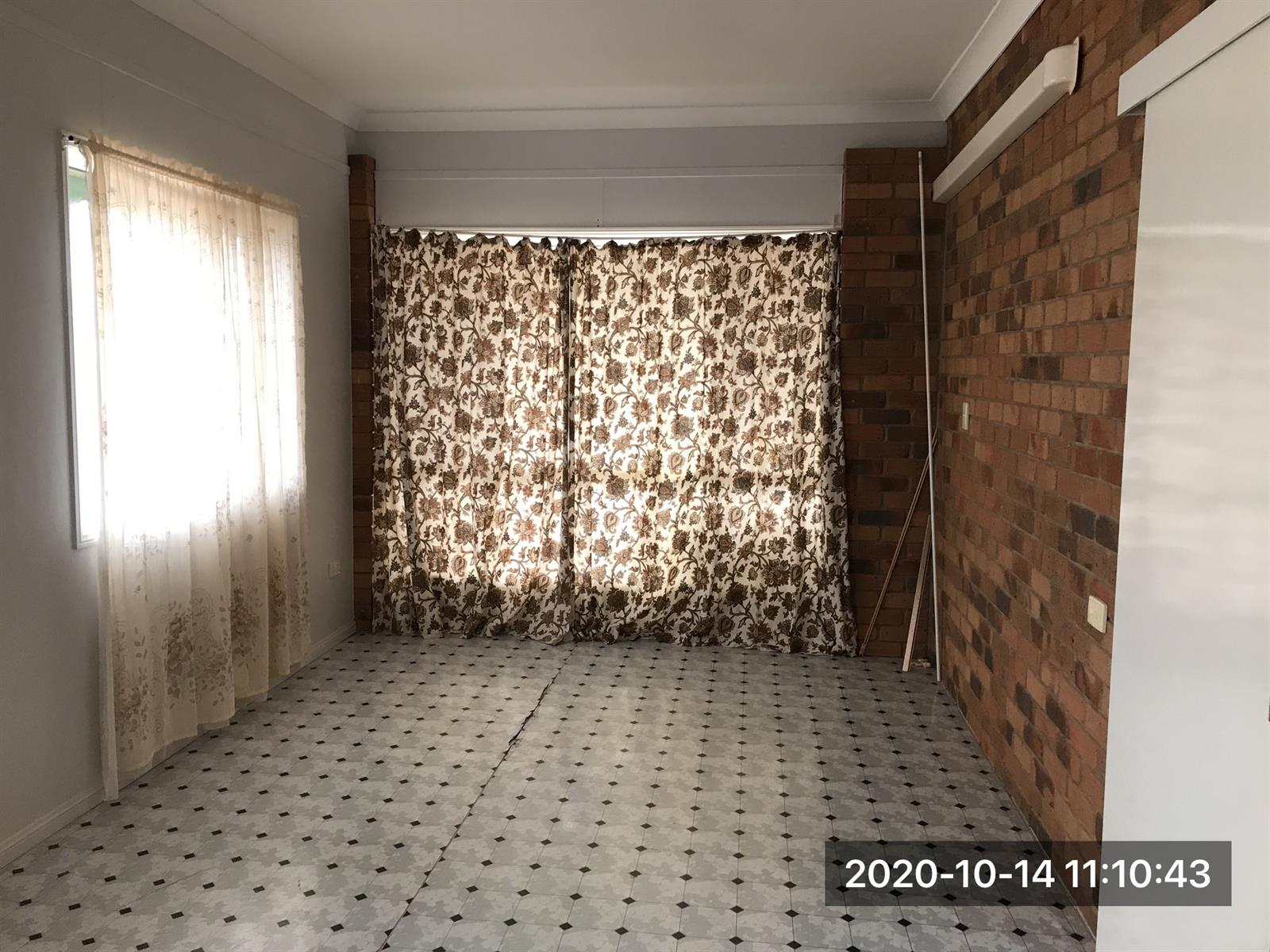 14 Brown Court LAIDLEY HEIGHTS QLD 4341 Image 2