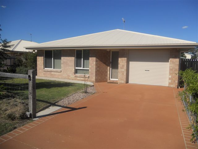 8 Oxford Court LAIDLEY QLD 4341 Image 0