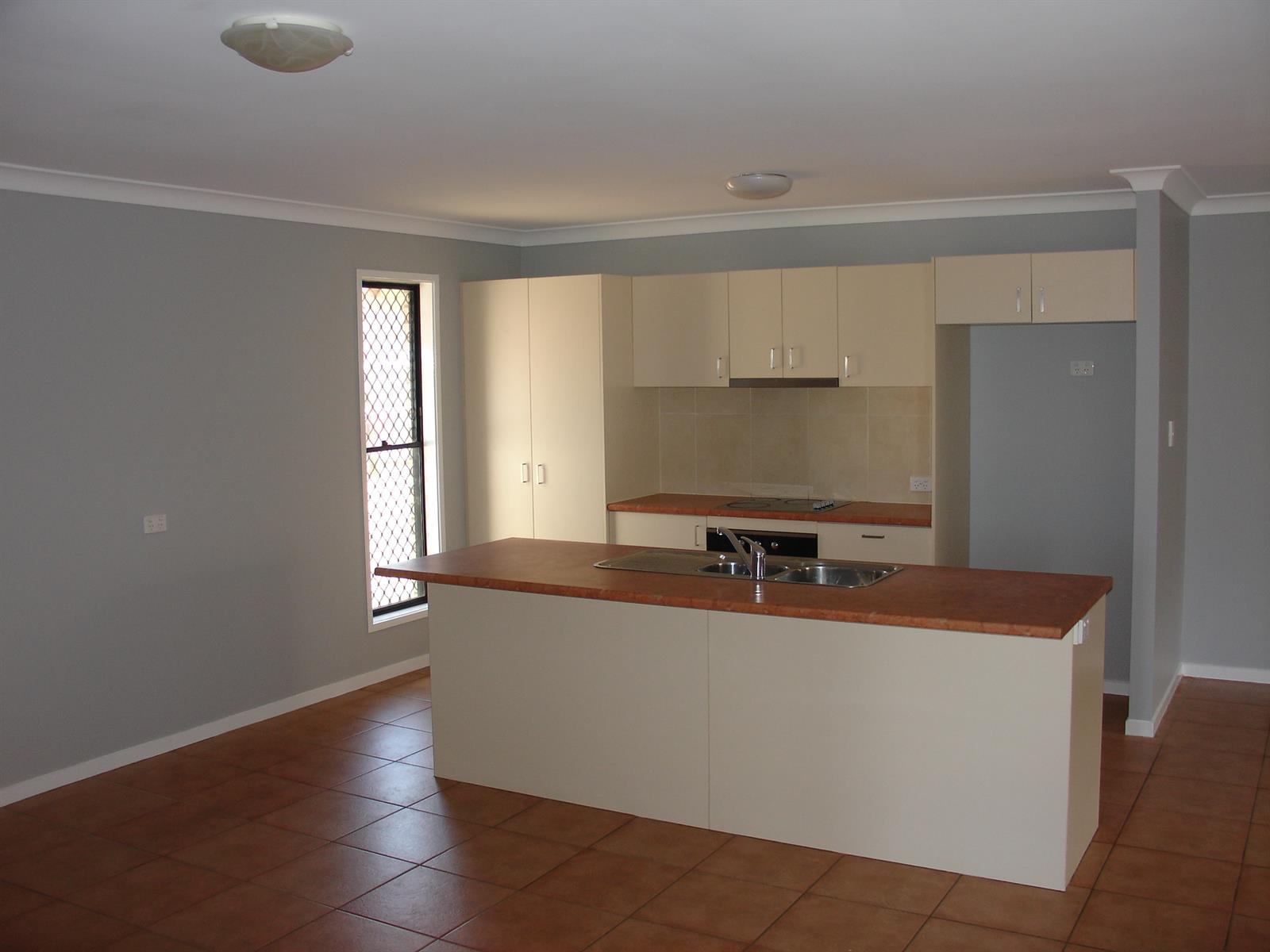 22  Honeyeater Place LOWOOD QLD 4311 Image 8