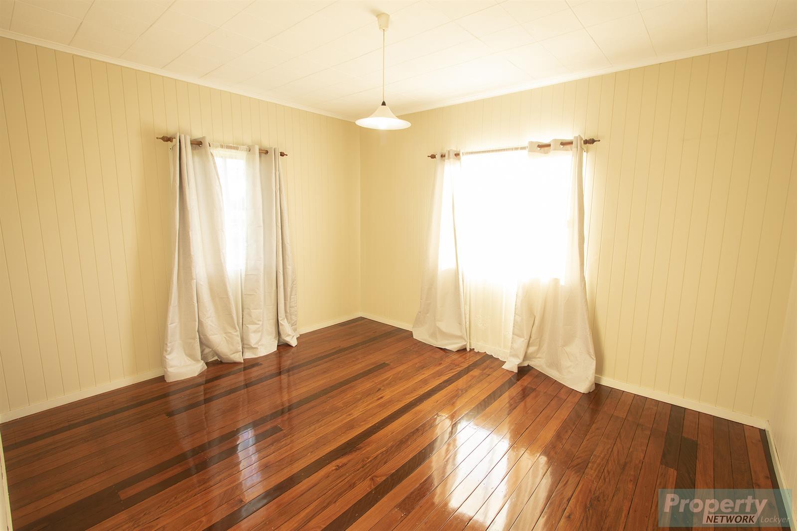 42 Drayton Street LAIDLEY QLD 4341 Image 7