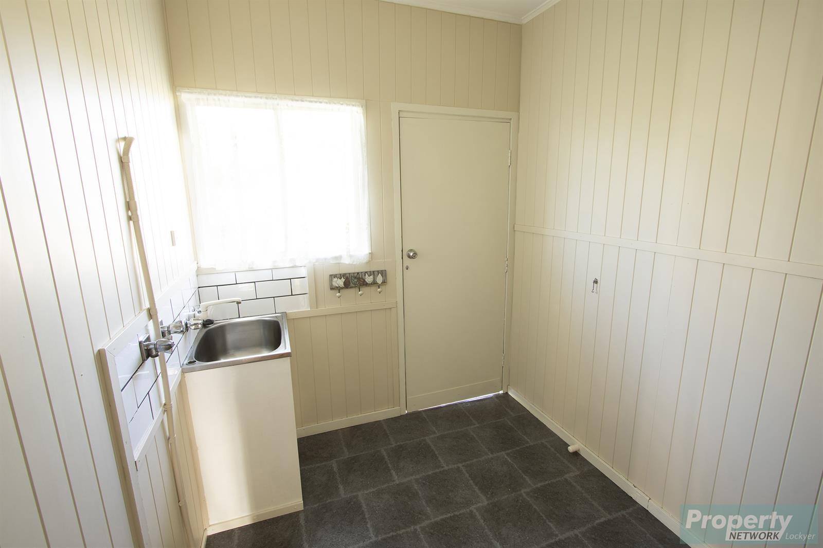 42 Drayton Street LAIDLEY QLD 4341 Image 9