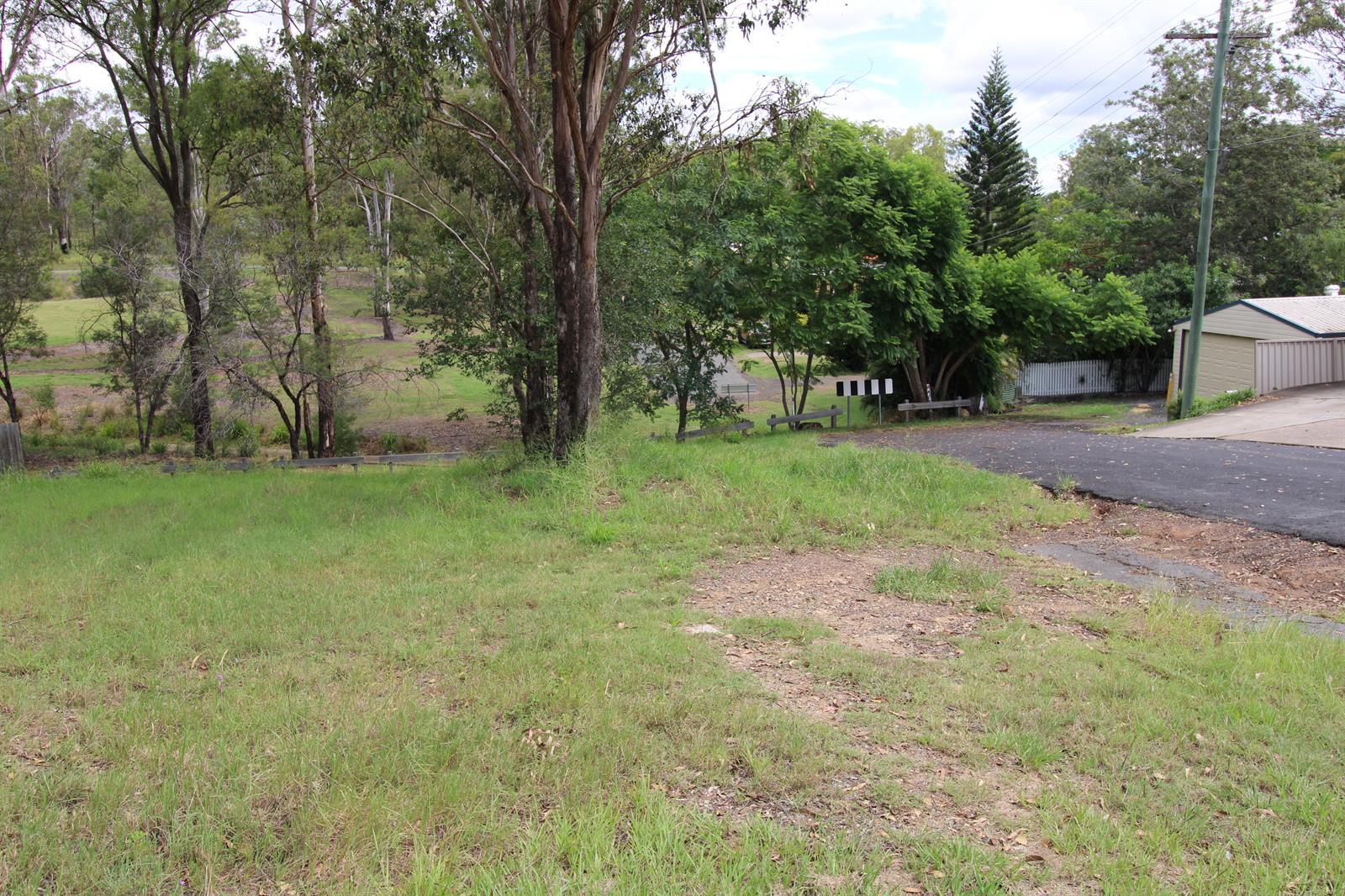 16  Banbury Close BUNDAMBA QLD 4304 Image 6
