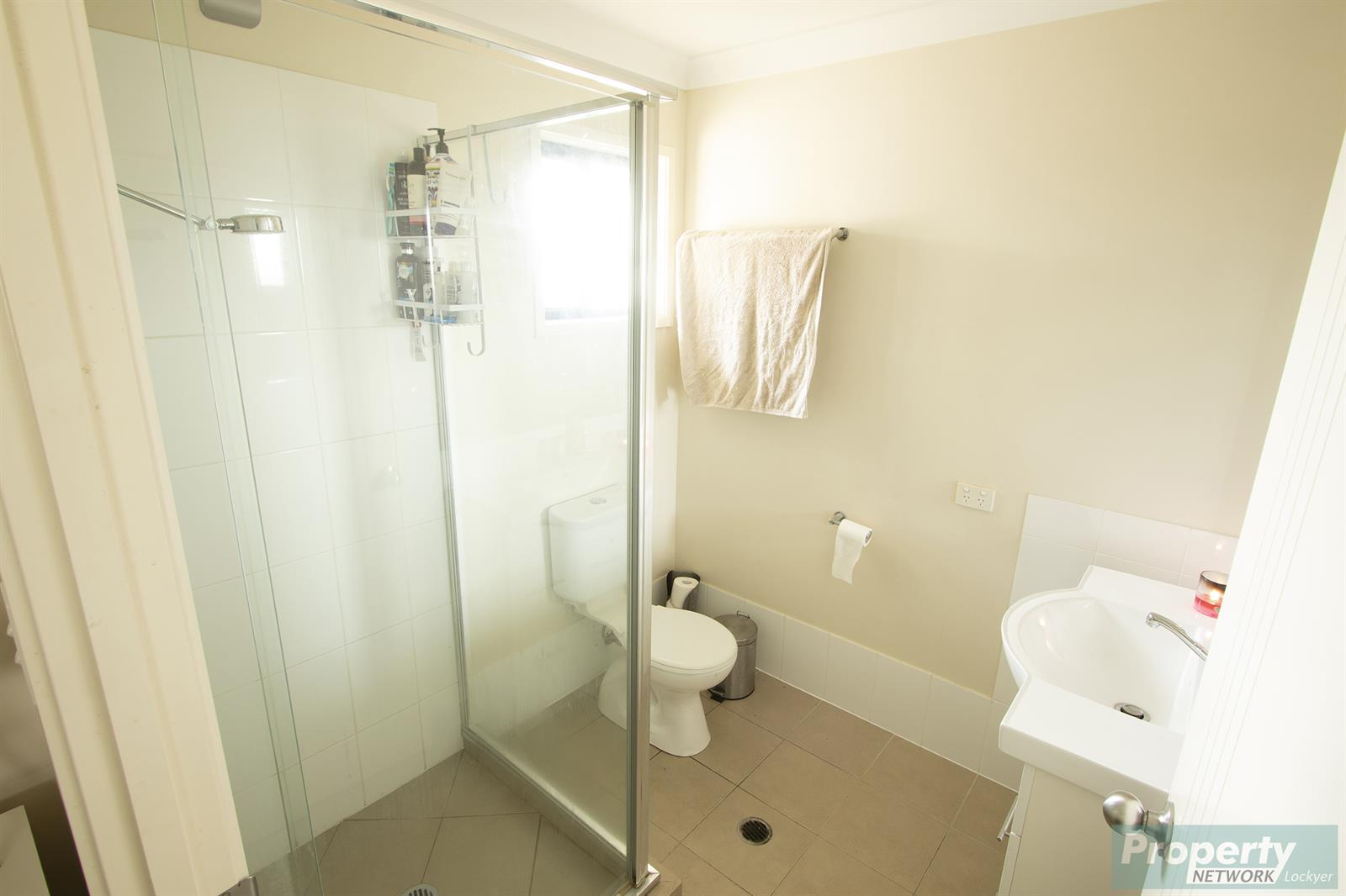 17 Perrys Crescent ROSEWOOD QLD 4340 Image 6